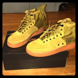 Nike sf af1 mid (gs) size 7